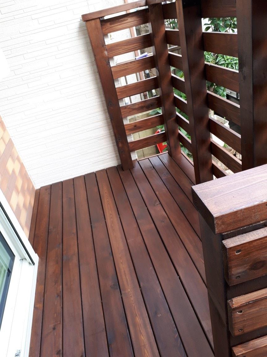 版築塀とアイアン屋根の門柱の庭 埼玉県(三芳町)-10