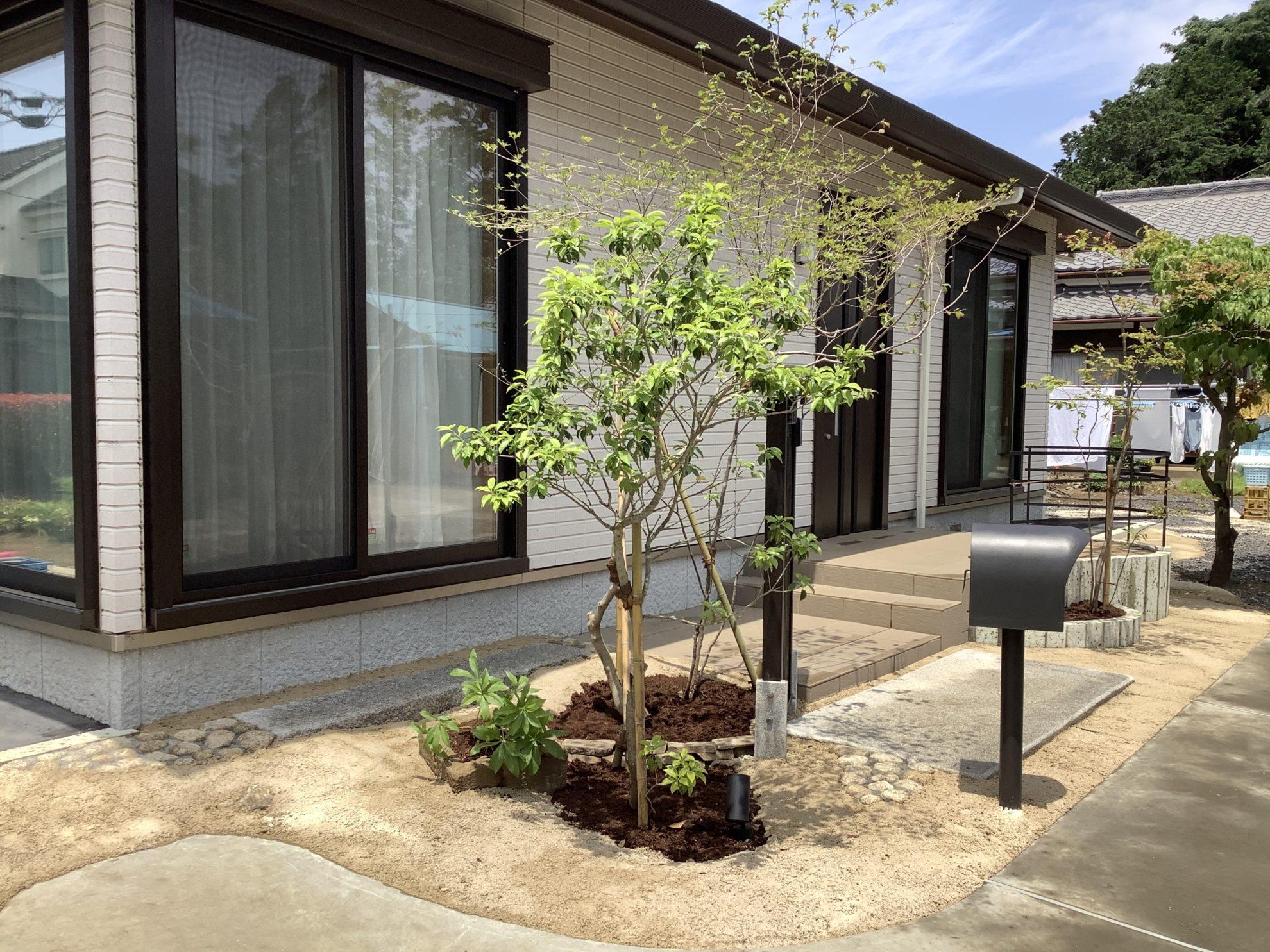 アイアンと自然材料の庭 外構 埼玉県(狭山市)-8